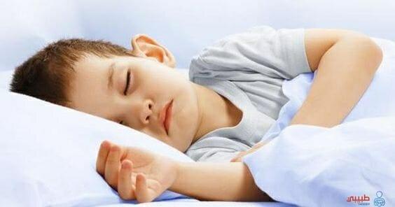 كثرة أطراف الطفل أثناء النوم