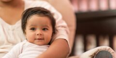 تطورات الطفل في الشهر السابع كل ما تريد الأم معرفته